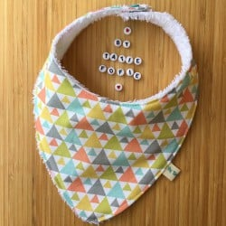 Bavoir Bandana triangles